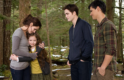 File:Renesmee-family-breaking-dawn-2.jpg