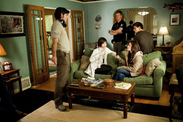 File:Weitz set picture.jpg