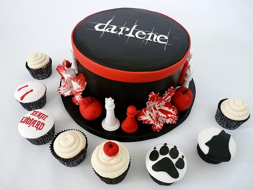 File:Twilight-saga-cake-09.jpg