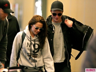 1Robert-Pattinson-Kristen-Stewart-050312--435x580