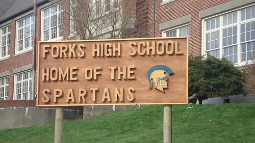 File:Forks-High-School is my homoe.jpg