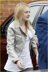 Dakota fanning new1