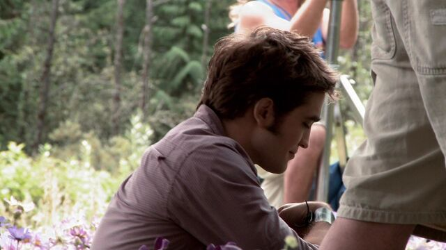 File:-Eclipse-Behind-The-Scenes-Screencaps-edward-and-bella-17365651-1920-1080.jpg