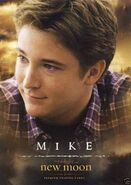 The-twilight-saga-new-moon-and-mike-newton-profile