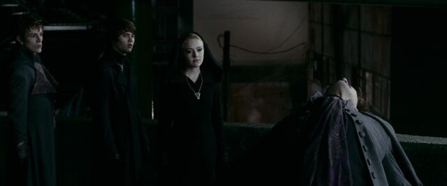 File:Jane tortures felix with alec and demetri.jpg