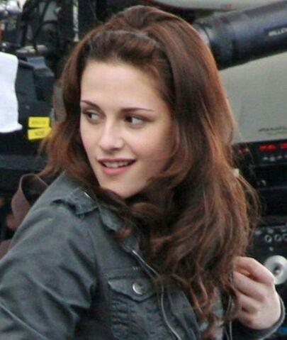 File:Kristen Stewart on set of New Moon.jpg