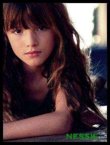 File:Renesmee-charlie-cullen-renesmee-carlie-cullen-6672703-429-564.jpg