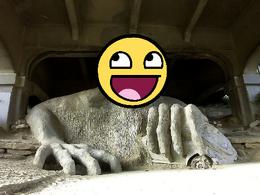 AwesomeTroll-statue