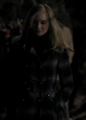 File:Caroline-forbes-and-miss-sixty-wide-collar-coat-gallery (1).png