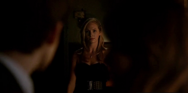 File:Caroline seeing Stefan and Katherine 5x13.png