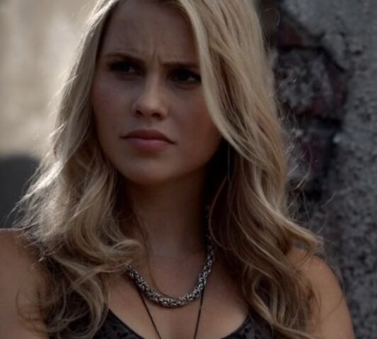 File:Rebekah 12 TO 1x02.jpg