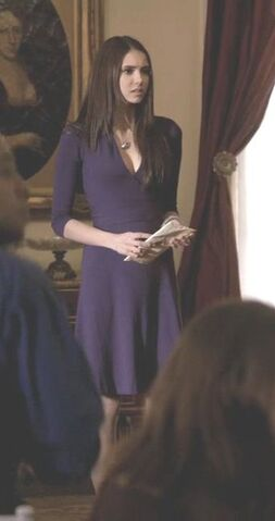 File:Banana-republic-3-4-sleeve-faux-wrap-dress-and-the-vampire-diaries-gallery.jpg