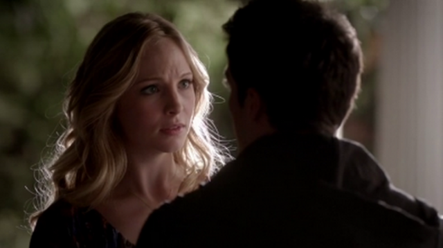 File:Caroline and Tyler in 4x14...png