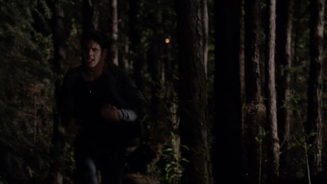 File:The.Vampire.Diaries.S05E22.720p.HDTV.X264-DIMENSION.mkv snapshot 40.56 -2014.05.17 16.11.22-.jpg