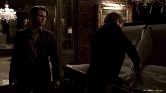 File:039-tvd-3x13-bringing-out-the-dead-theoriginalfamilycom.jpg