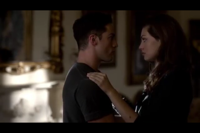File:Hayley&Tyler4x05.PNG