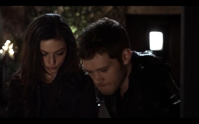 File:1x11-Klaus shows he cares 2.png