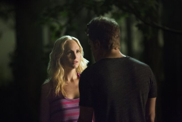 File:Caroline and Stefan 6x03..jpg