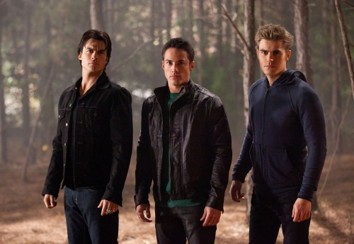 File:The-vampire-diaries-season-2-image-4.jpg