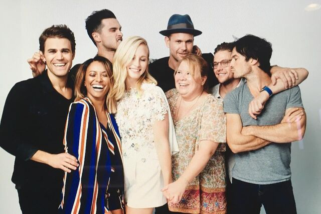 File:2016-07-23 Paul Wesley Kat Graham Michael Malarkey Matt Davis Julie Plec Zach Roerig Ian Somerhalder Candice King Instagram.jpg