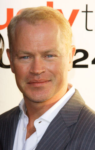 File:Arrow - Neal McDonough(a).jpg