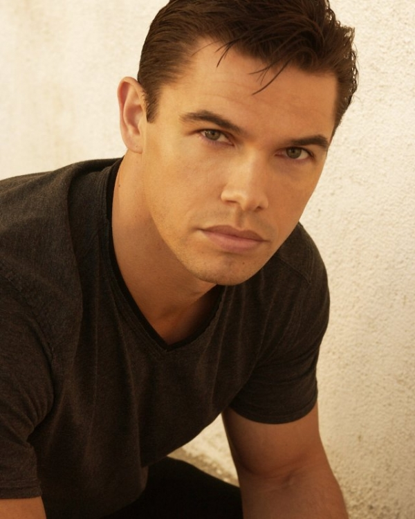 paul telfer once upon a time