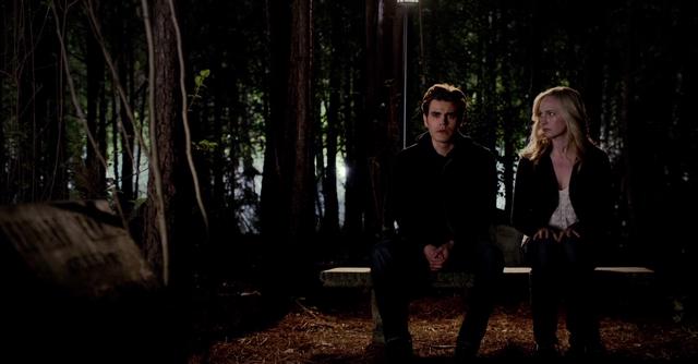 File:Stefan and Caroline 5x22...png