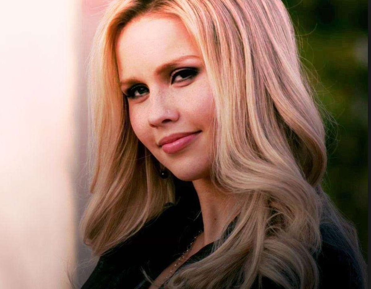 Rebekah - Claire Holt | Vampire diaries rebekah, Claire ... |Rebekah Vampire Diaries Hair