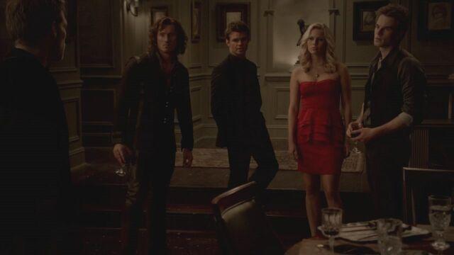 File:The-Vampire-Diaries-3x13-Bringing-Out-the-Dead-HD-Screencaps-elijah-28812079-1280-720.jpg