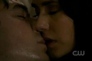 Elena kisses Damon.jpg