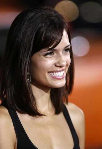 File:Torrey+Devitto+Celebrities+Eagle+Eye+Premiere+JQo2RfBPCThl.jpg