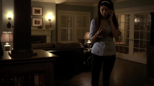 File:TVD1x12-Gilbert House 33.jpg