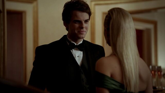 File:3x14-Dangerous-Liaisons-kol-and-rebekah-29032058-1280-720.jpg