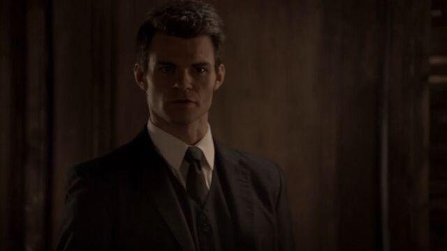 File:Elijah 4 TO 1x05.jpg