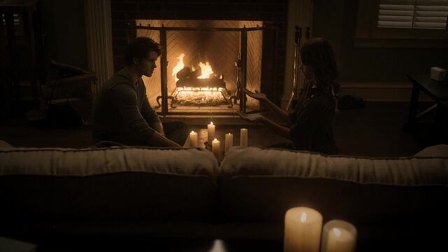 File:TVD2x15-Gilbert House 14.jpg