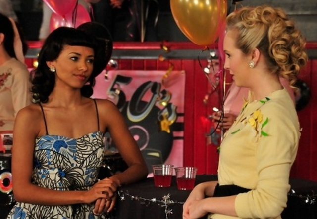 File:Bonnie and Caroline in Unpleasantville.png