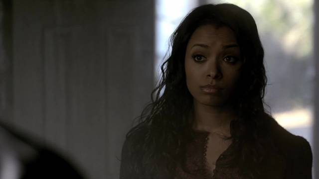 File:The-vampire-diaries-2x17-bonnie-bennett-cap mid.jpg