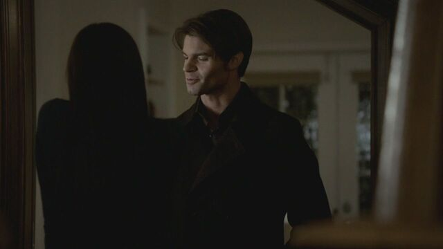 File:Elijah-Elena-By-the-Light-Of-The-Moon-2x11-elijah-and-elena-17673238-1280-720.jpg