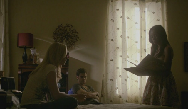 File:Caroline-Stefan-Bonnie 2x3.png