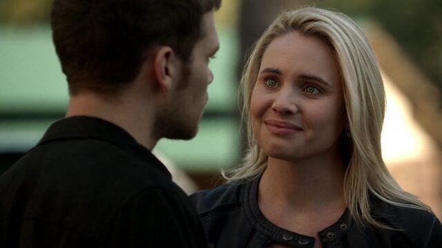 File:Normal TheOriginals210-0158Cami-Klaus.jpeg