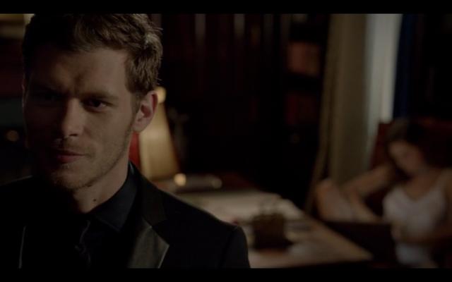 File:1x03-Klaus smiles.png