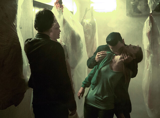 File:8x01 Hello Brother 1.jpg
