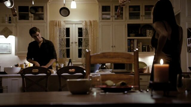 File:TVD1x05-Gilbert House 57.jpg