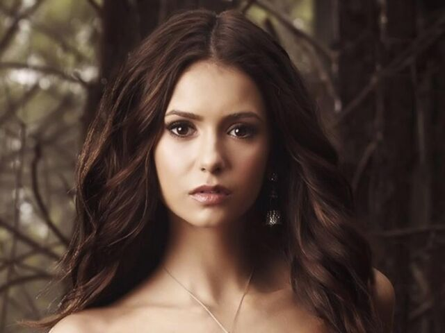 File:Elena-Gilbert-The-Vampire-Diaries-Halloween-Coloured-Contact-Lenses.jpg