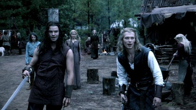 File:3x08-Ordinary-People-klaus-and-elijah-26645541-1280-720.jpg