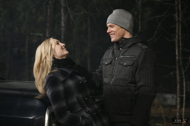 File:1x14-Fool-Me-Once-matt-and-caroline-11561257-2000-1333.jpg