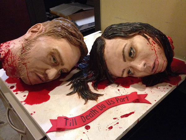 File:Beheaded-wedding-cake-600x450.jpg