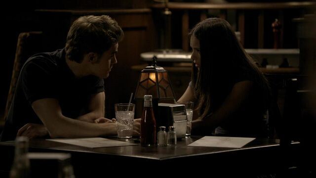 File:The Vampire Diaries S02E04 2644.jpg