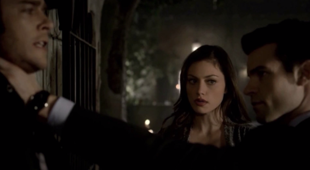 File:Thierry-Hayley-Elijah 1x12.png