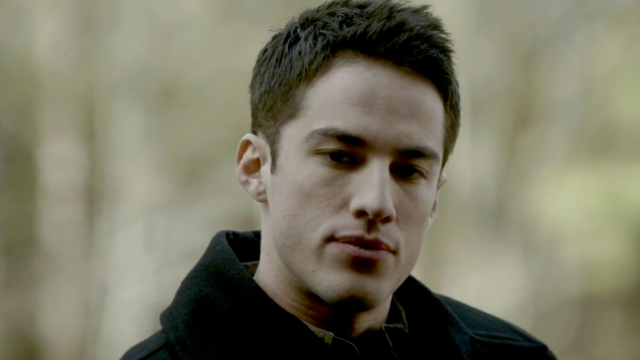 File:1X18 Tyler Lockwood Under Control...png
